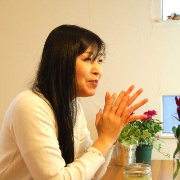 水晶シリカ(ケイ素)『クリスタレマ』ボディスクラブ開発インタビュー